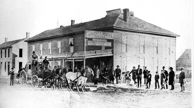 Stage Coach At Central Hotel In Winfield Ks 1877 V77chsca Jpg